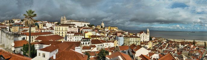 1000px-panorama_of_alfama_lisboa_from_belvedere_portas_do_sol_on_2014-11-08