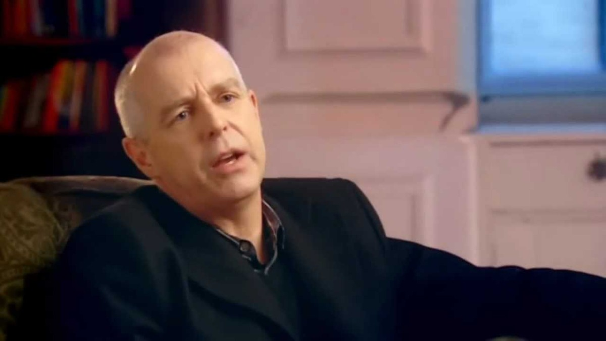 Can someone please give Neil Tennant a hand with the words?